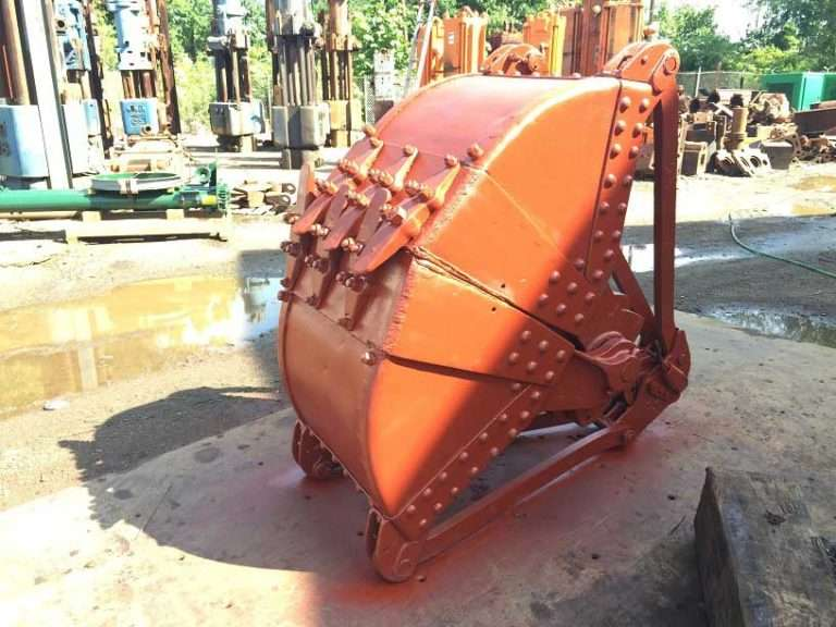 Anvil Attachments 3/4 Yard Clamshell Bucket