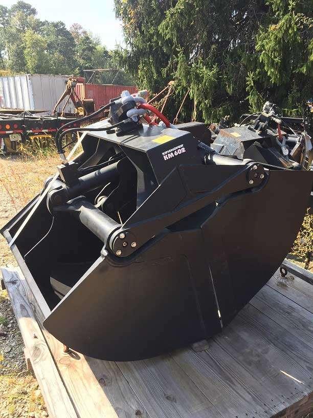 Kinshofer 0.85 Yard Hydraulic Clamshell Bucket