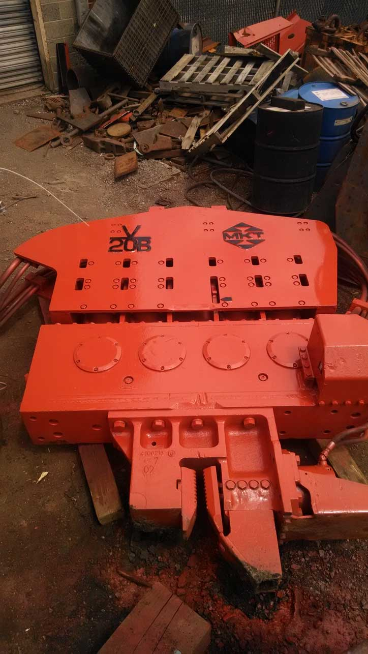 MKT V-20B Vibratory Hammer